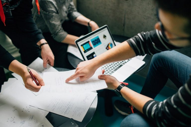 how to identify customer needs